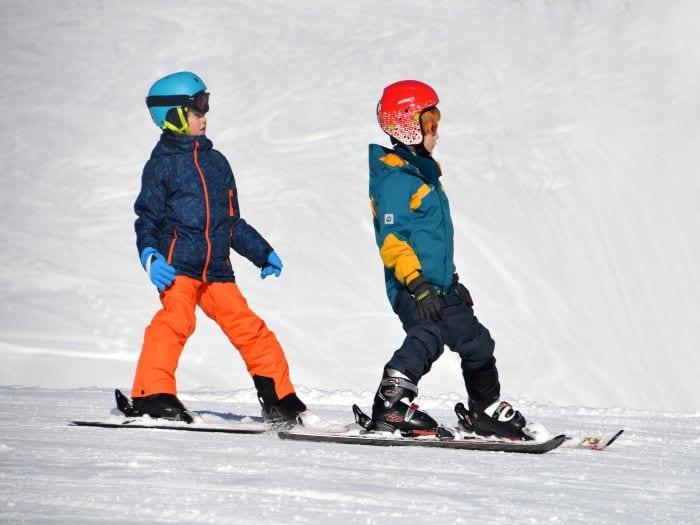 Детская школа катания на лыжах