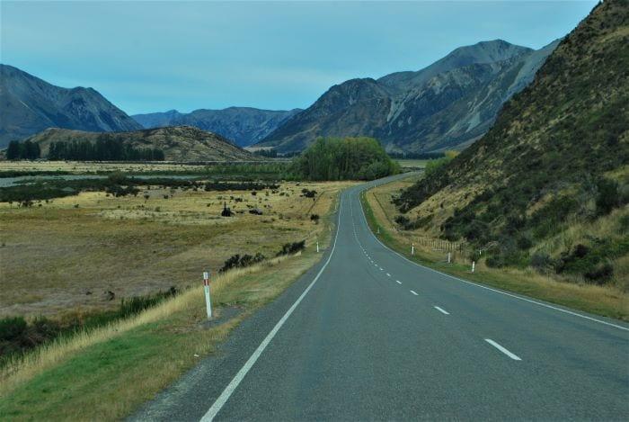 Движение в Новой Зеландии левостороннее