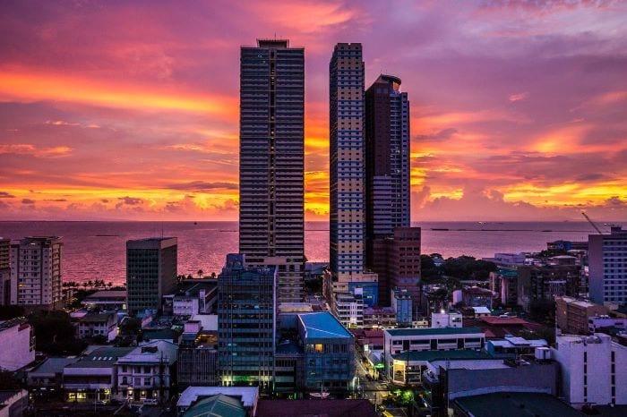 Ночной город Манила