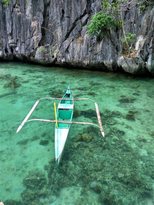 Лодка филиппинского рыбака