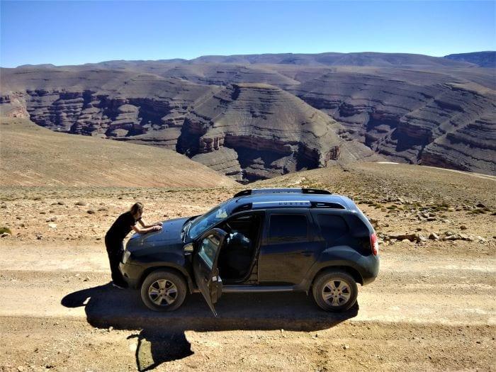 Дорога в Марокко в горах Высокого Атласа