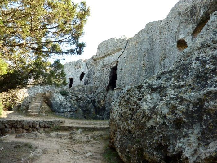 Пещеры Кала Морей (Cala Morell)