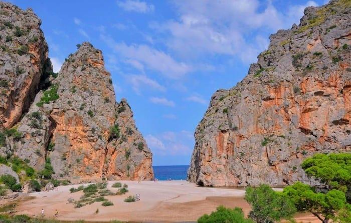 Пляж Кала де са Калобра
