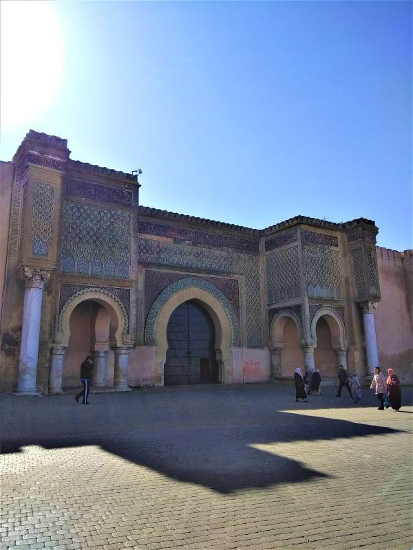 Ворота Баб-Эль-Мансур в городе
