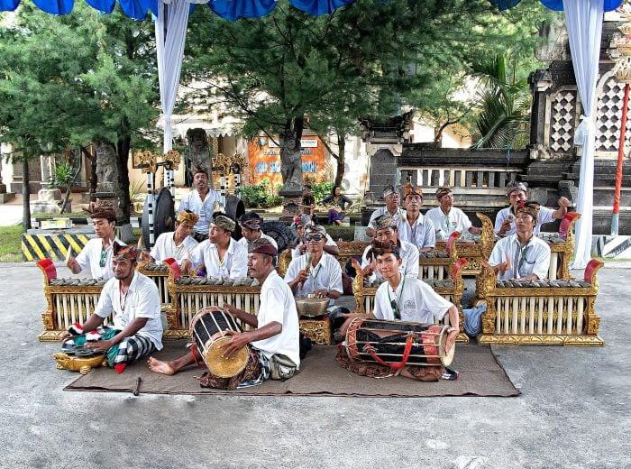 Уличные музыканты Бали