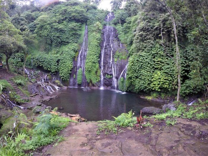 Водопад Баньюмала (Banyumala Twin Waterfalls)