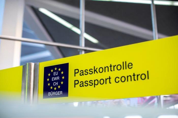 Паспортный контроль при транзитном рейсе