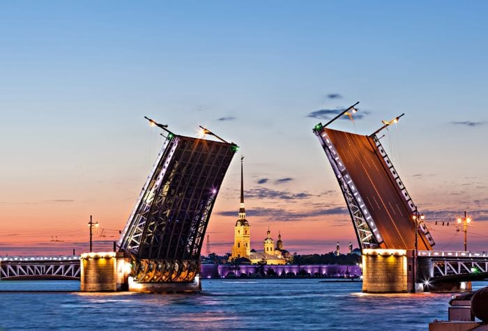 Развод мостов и белые ночи СПб