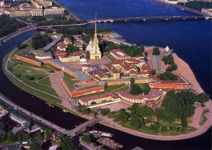 Петропавловская крепость вид сверху