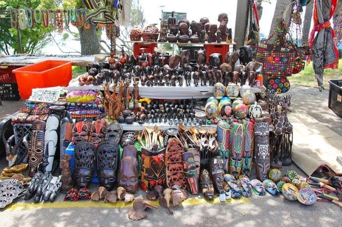 Деревянные африканские статуэтки