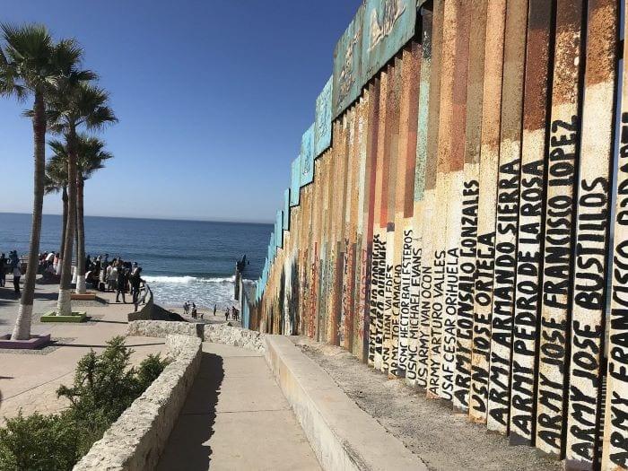 Тихуана, Мексика граница
