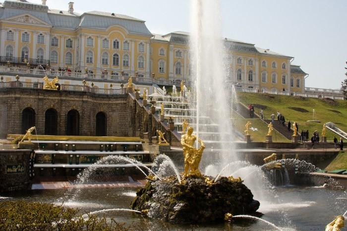Что посмотреть в Петергофе: самые красивые достопримечательности